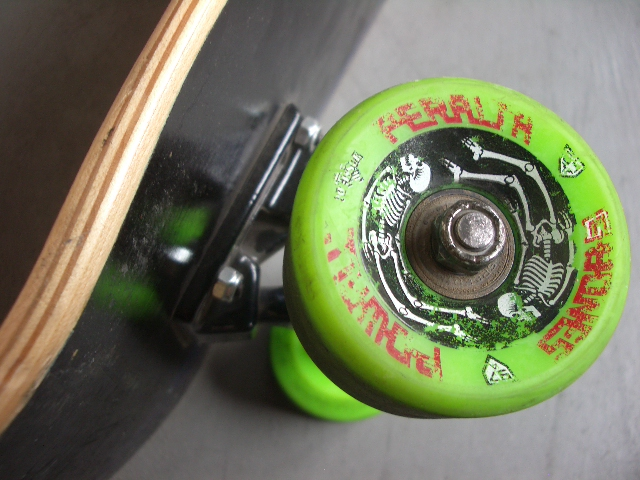 1989 powell g-bones 64mm 87a retro re-issue